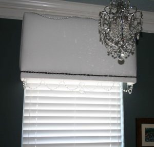 blinds and custom cornice