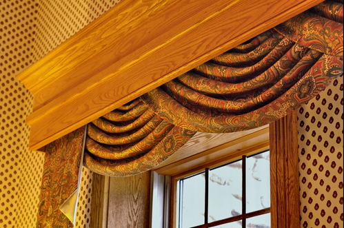 Telling The Difference Between Pelmets And Cornices